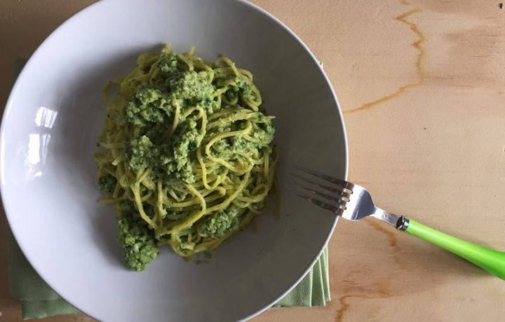 Pasta con pesto di zucchine light