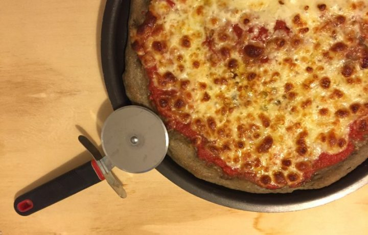 Pizza con farina di grano arso