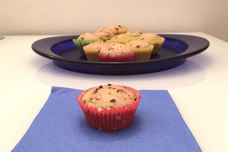 Muffin con yogurt e gocce di cioccolato (dolce)
