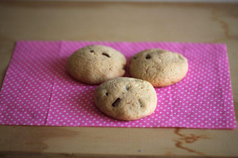 biscotti facilissimi con gocce di cioccolato
