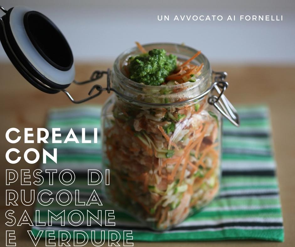 cereali con pesto di rucola salmone e verdure
