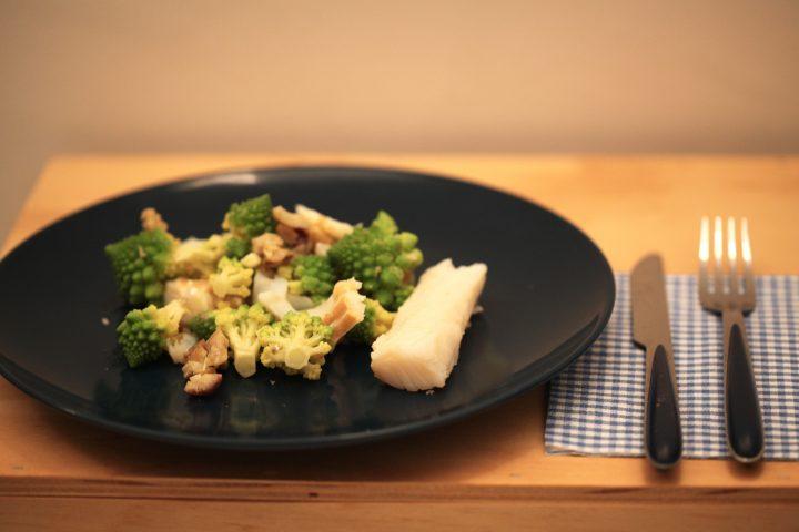 insalata con baccalà, castagne e broccolo romanesco