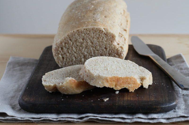 Pane in cassetta semi integrale con lievito madre