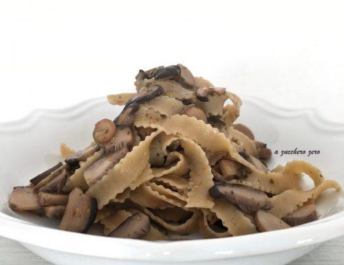 Pasta integrale con i funghi cardoncelli