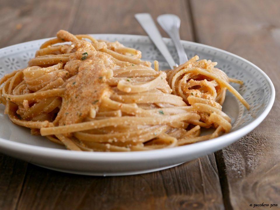 Pasta integrale con cicale di mare o canocchie polpa