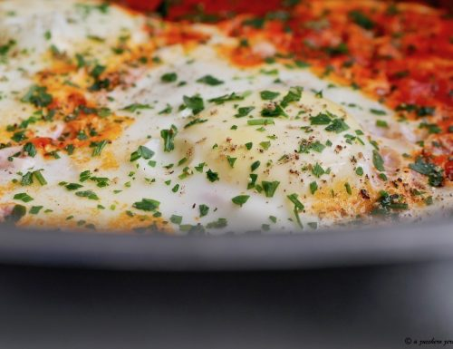 Uova al pomodoro o uova al purgatorio