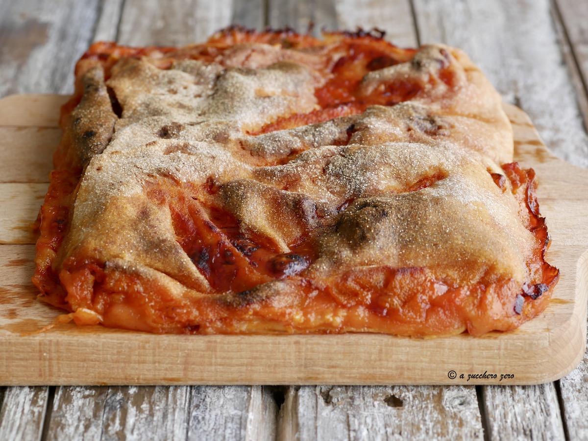 Scacce ragusane integrali pomodoro e formaggio intera