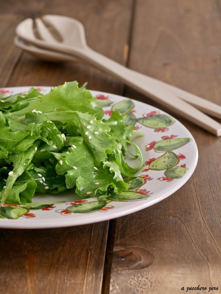 Insalata verde con sesamo tostato