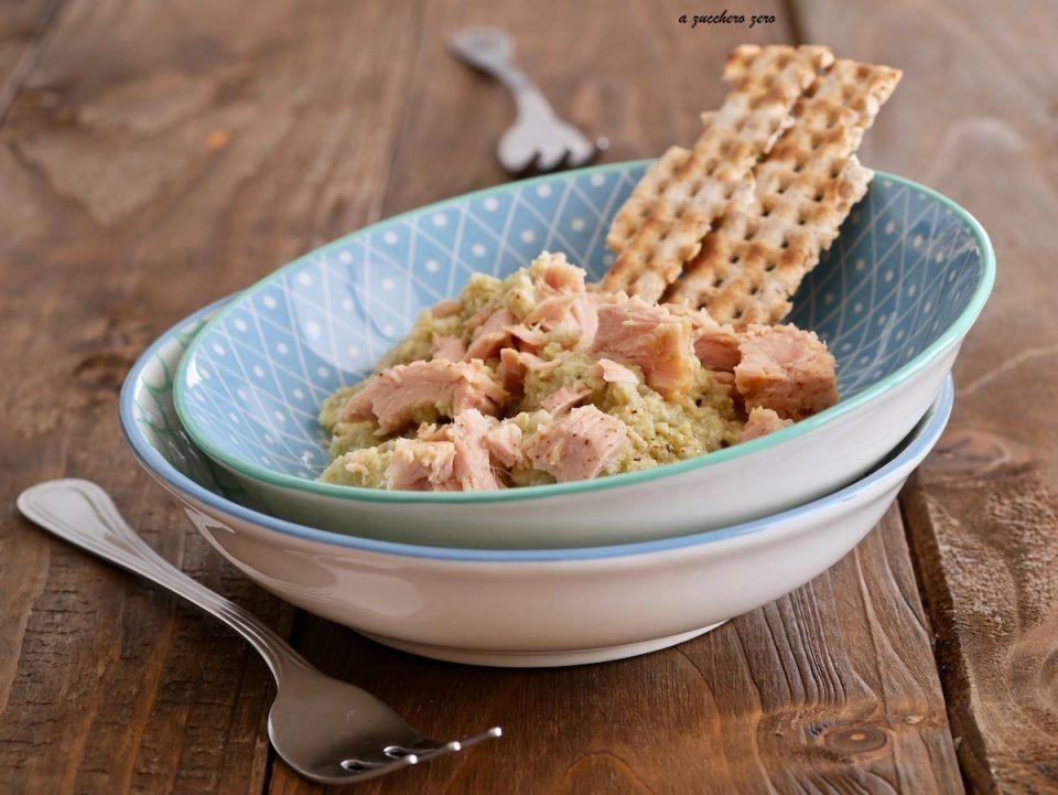 Crema di carciofi e tonno con scaglie di pane azzimo