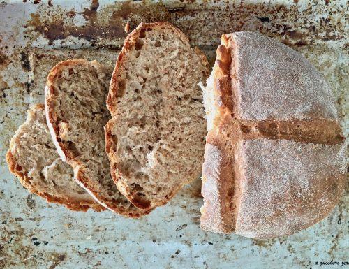 Pane di farro semintegrale a lunga lievitazione