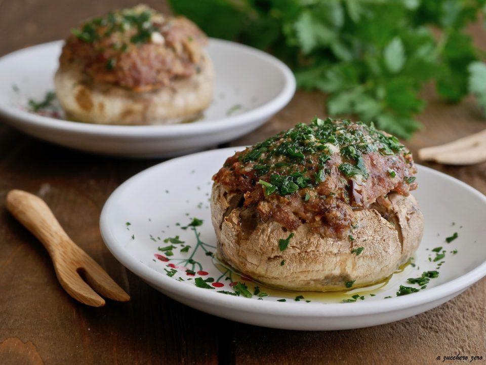 Funghi ripieni di carne al forno [senza uova]