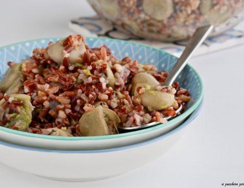 Insalata di riso rosso integrale e fave verdi