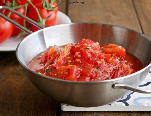Sugo con pomodorini rustico e veloce