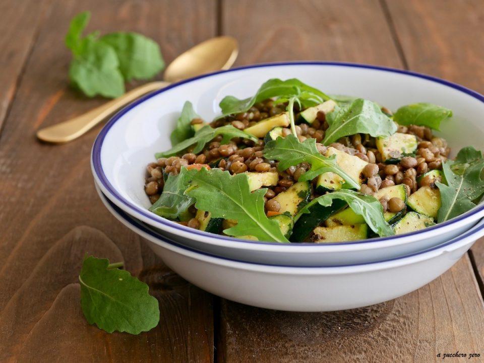 Insalata di lenticchie e zucchine con rucola