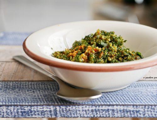 Pesto di basilico e pomodori secchi con mandorle