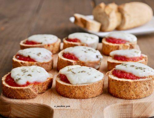 Pizzette di pane integrale margherita