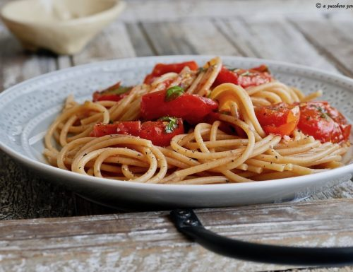 Pasta integrale con pomodorini e basilico