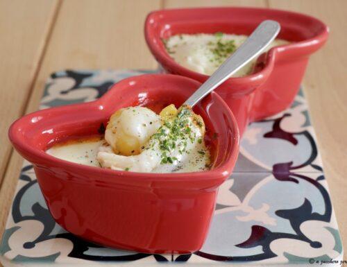 Uova in cocotte al pomodoro