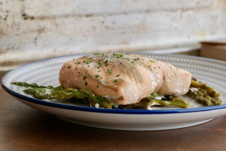 Salmone al forno con asparagi light