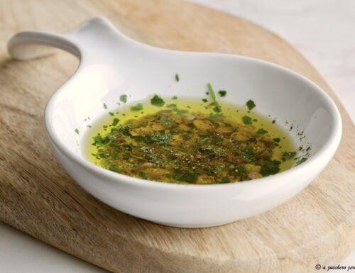 Salsa salmoriglio: condimento siciliano