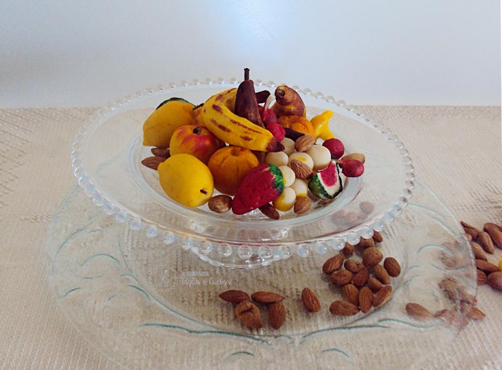 frutta martorana su alzatina