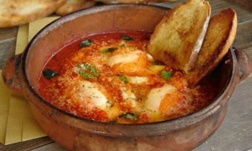 Uova a zuppa, alias, uova in purgatorio