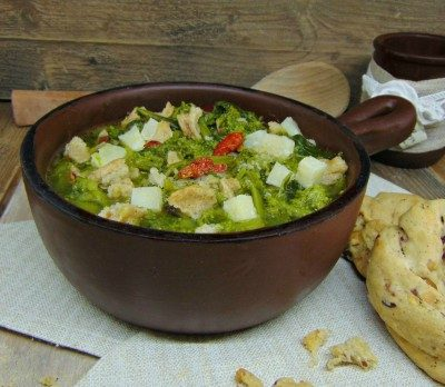 zuppa di friarielli e taralli di babet