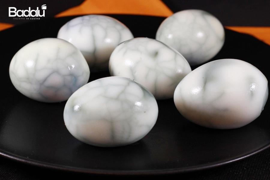 uova con effetto ragnatela -