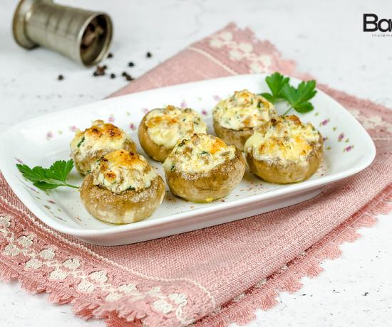 Funghi ripieni con formaggi