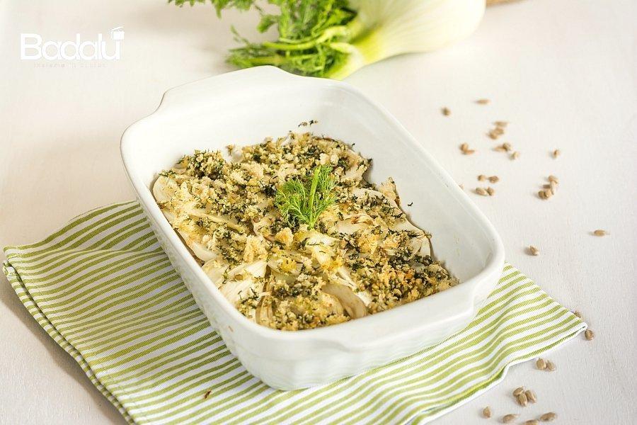 Finocchi gratinati con molliche di pane e semi di girasole