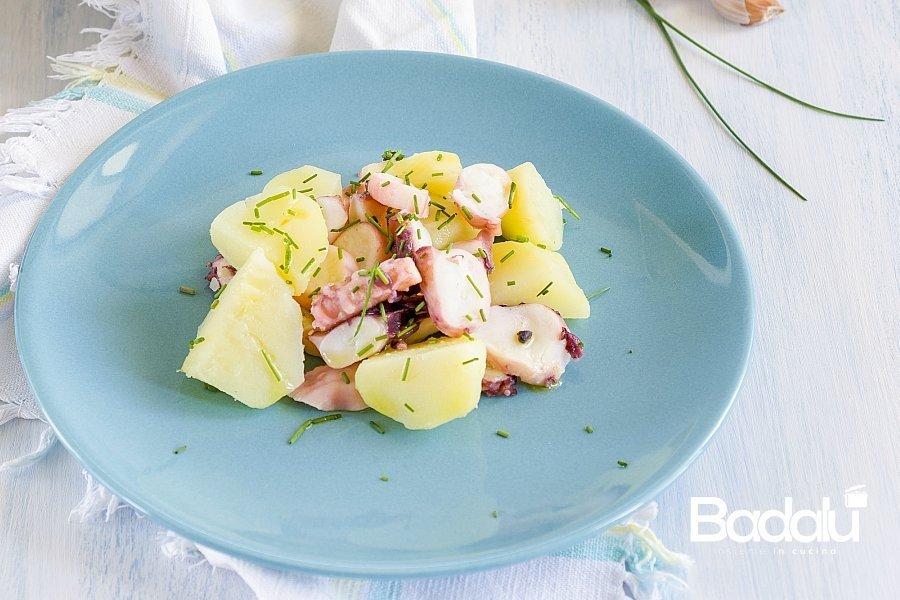 Insalata di tentacoli di totano e patate con erba cipollina con Vianova