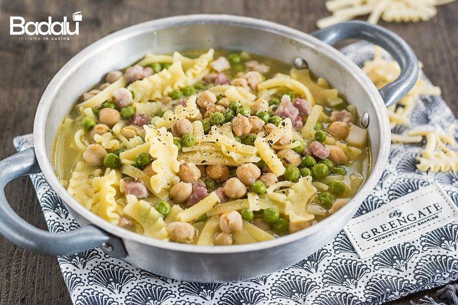 Minestra con ceci piselli e pancetta dolce La Fabbrica della Pasta di Gragnano