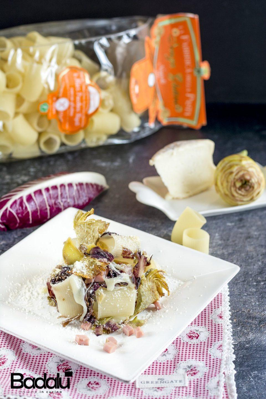 Pasta senza glutine con radicchio carciofi e taleggio Mezzi paccheri senza glutine per celiaci Gragnano