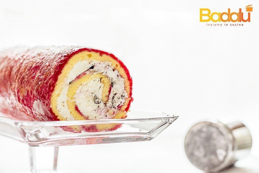 Rotolo con crema di latte a freddo e scaglie di cioccolato fondente Semole d'autore per torte e pan di spagna Casillo