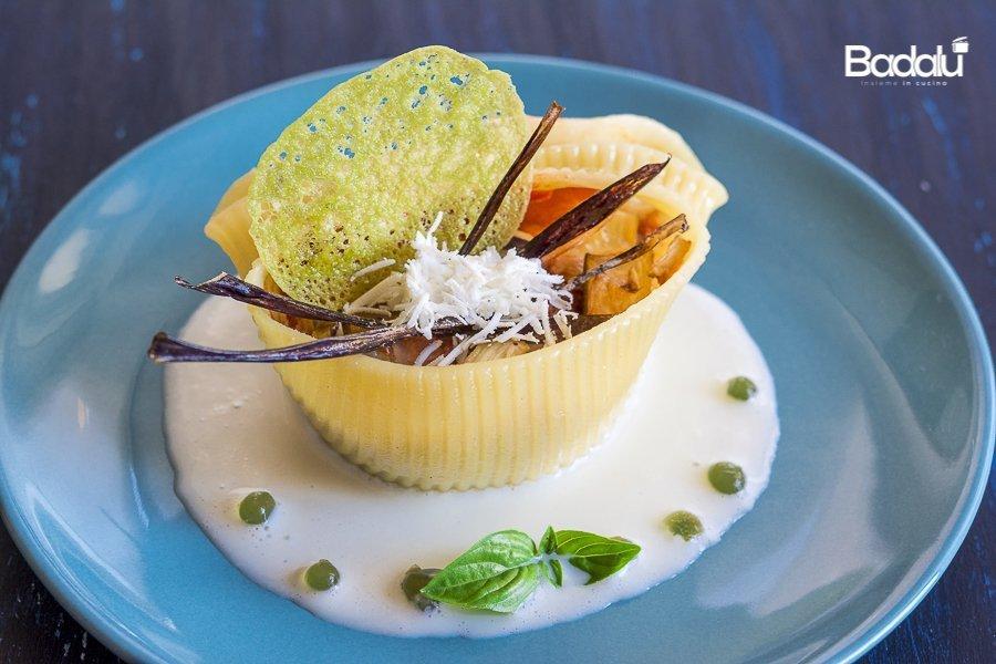 Caccavelle alla Norma con corallo al basilico e fonduta di mozzarella La Fabbrica della Pasta di Gragnano
