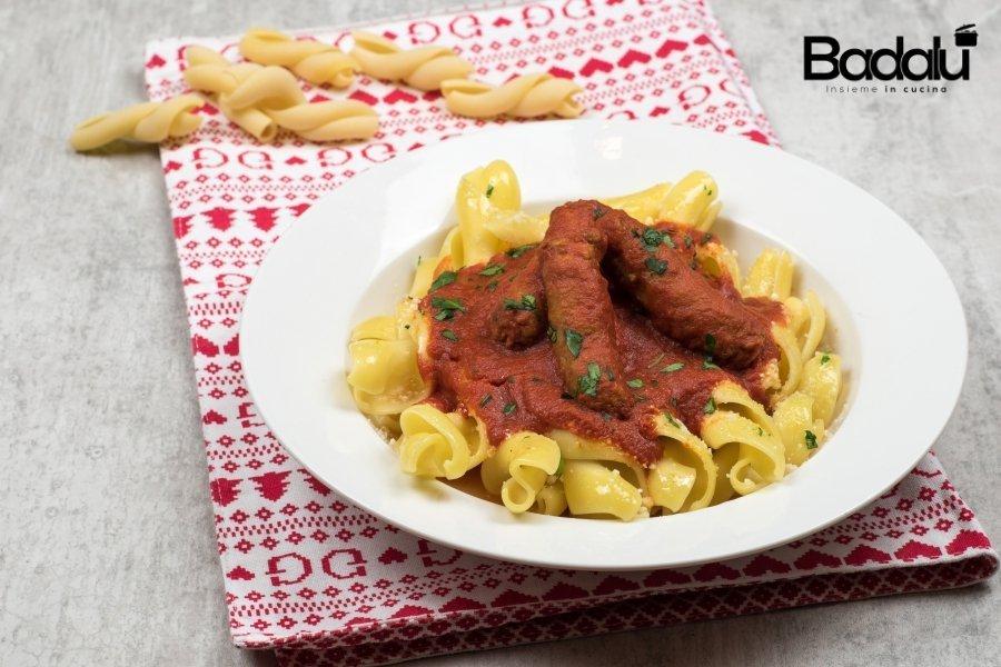 Fidanzati capresi con sugo di salsiccia e peperoncino -la fabbrica della pasta di Gragnano