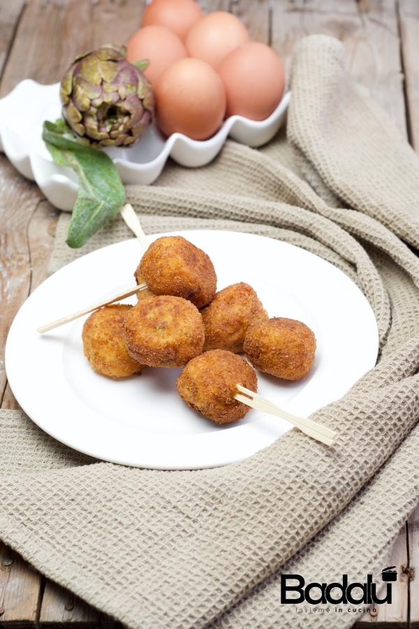 Polpette carciofi e patate con provola affumicata