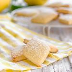 Biscotti all'olio con cocco e limone