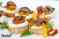 Crostini con peperoni mozzarella e alici