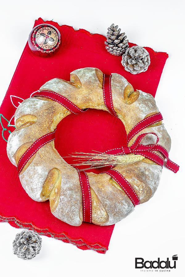 Ciambella di pane natalizia con selezione casillo