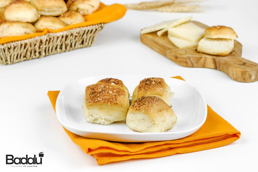 Bocconcini di pane al formaggio e paprica - selezione casillo