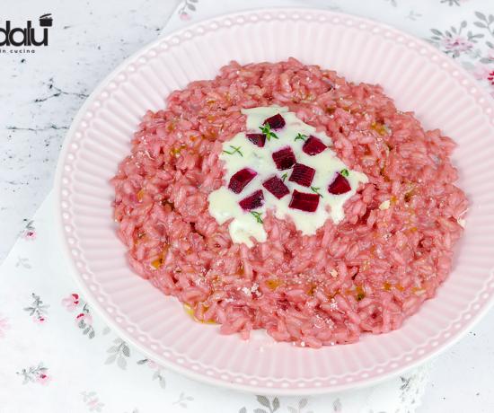 risotto con barbabietola e gorgonzola