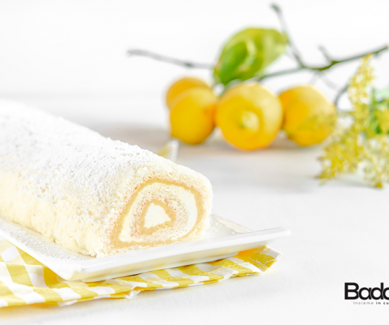 Rotolo di angel cake con lemon curd e panna tapis roulade Silikomart