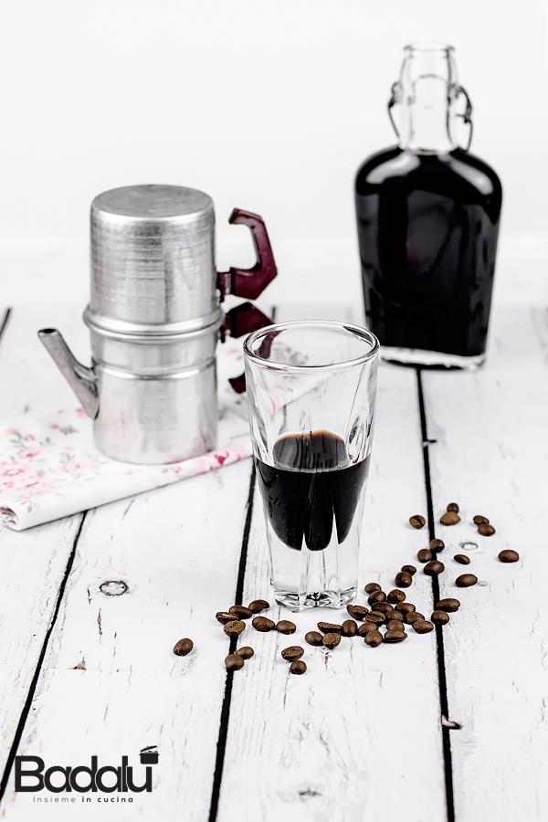 Liquore al caffè - ricetta semplice