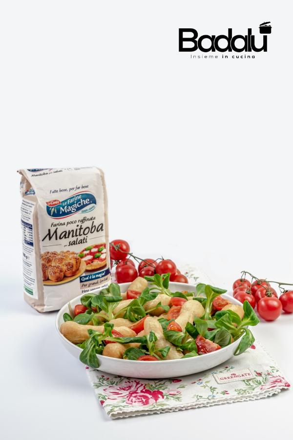 Angioletti di pizza con insalata e pomodorini- lo conte