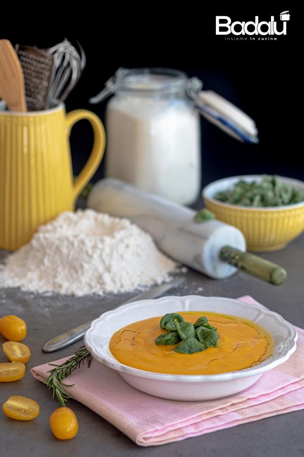 Crema di peperoni e carote con orecchiette agli spinaci