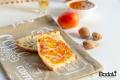 Confettura di albicocche e mandorle al liquore Sassolino