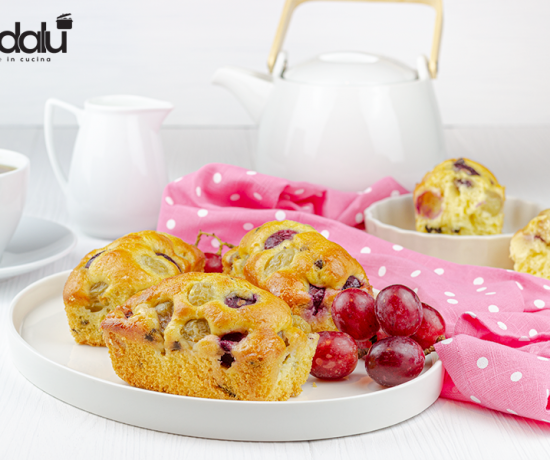 Mini plumcake con uva e gocce di cioccolato-Lo conte- decorì