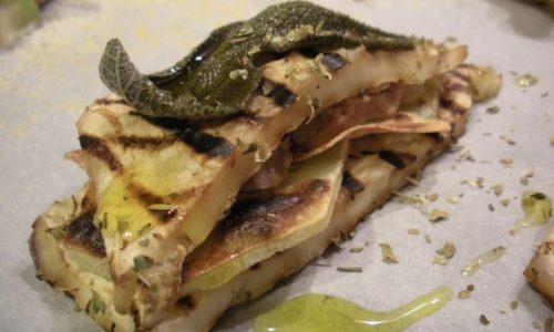 Mezzelune di melanzane al tonno e patate – Ricetta gustosa
