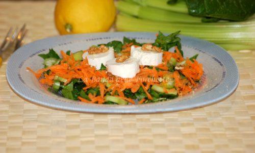 Insalata di spinaci, caprino e noci – Ricetta light